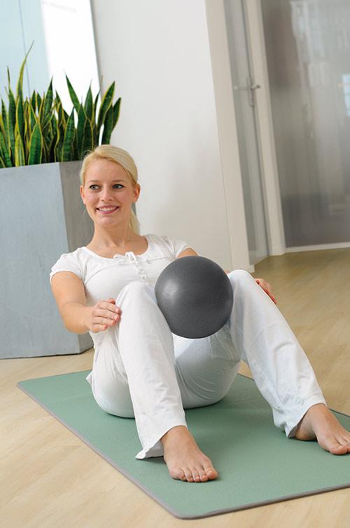 pilates ball ou ballon pilates. Black Bedroom Furniture Sets. Home Design Ideas